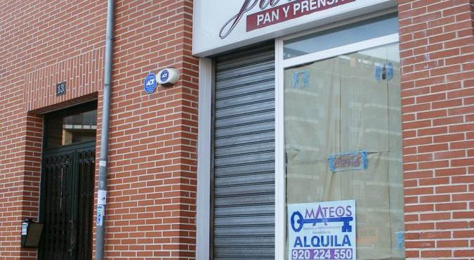 LOCAL COMERCIAL EN BARRIO UNIVERSIDAD