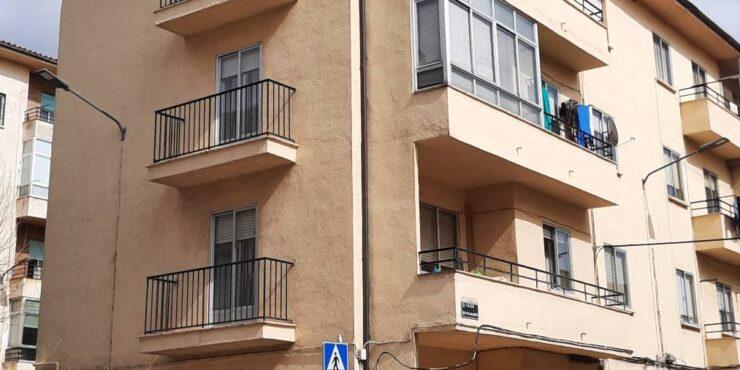 Piso (planta baja) 3 dorm. barrio «La Toledana»